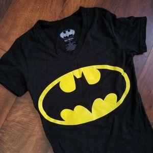 Tops - Batman shirt 🦇